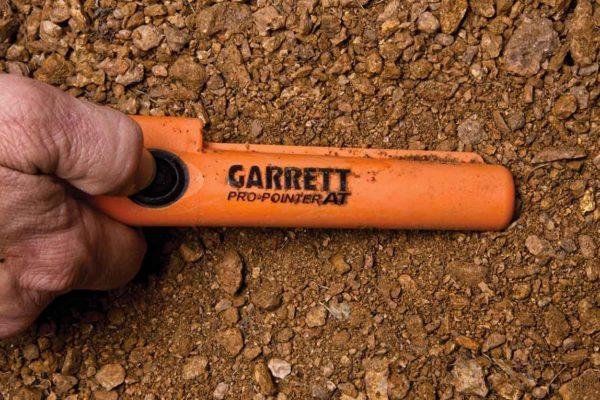 garrett-pro-pointer-at